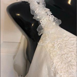 BNWT Stunning Vera Wang Wedding Dress, Size 12